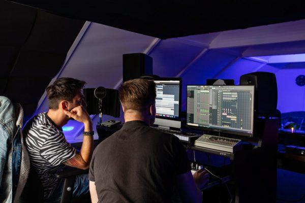 Dutch DJ World Enschede Priveles Hardstyle Crypsis